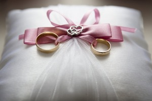The wedding vow should rein.